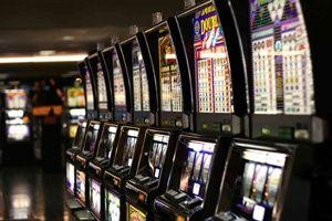 Игровые автоматы закрыли 2011 казино корона играть бесплатно и без регистрации