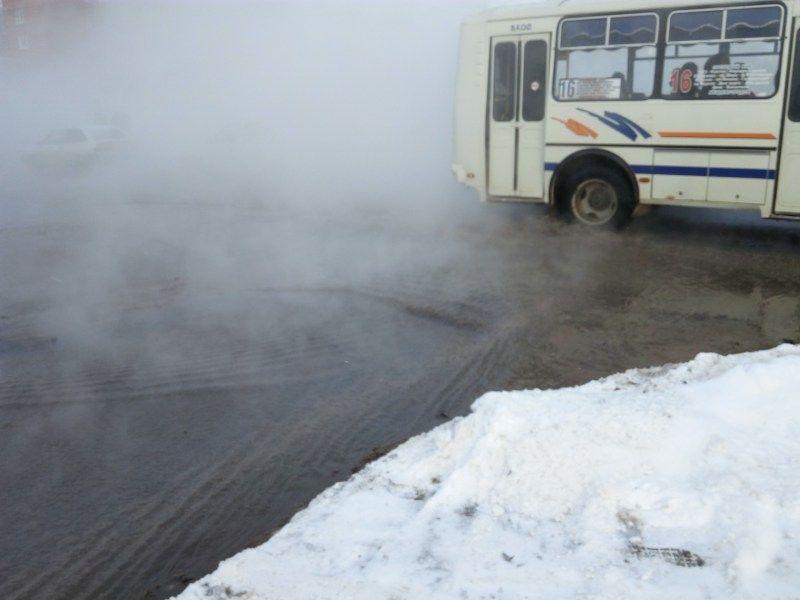 Врайоне трагедии натеплотрассе вТомске перекрыто движение
