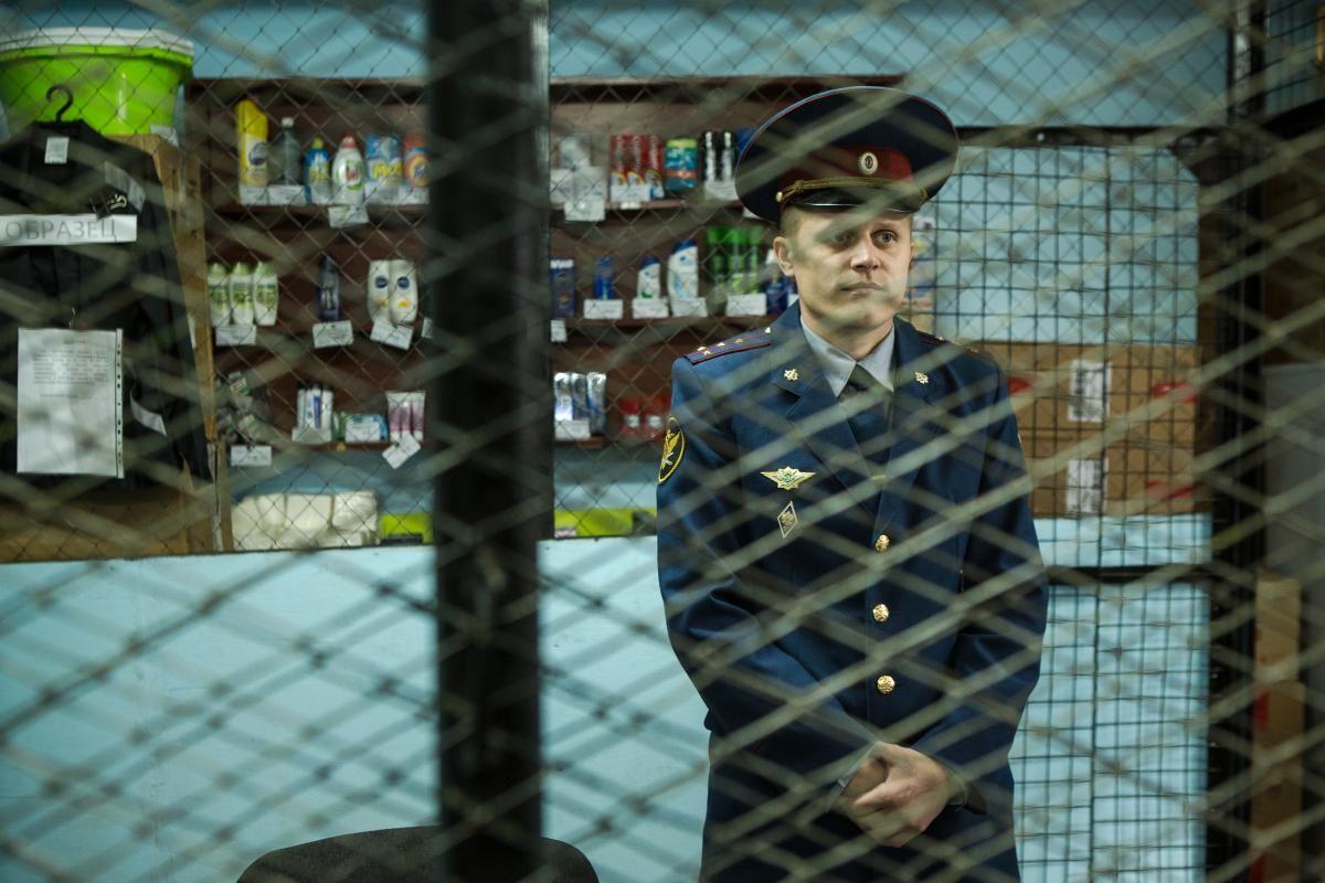 Томские полицейские задержали женщину, грабившую пенсионеров под видом соцработника