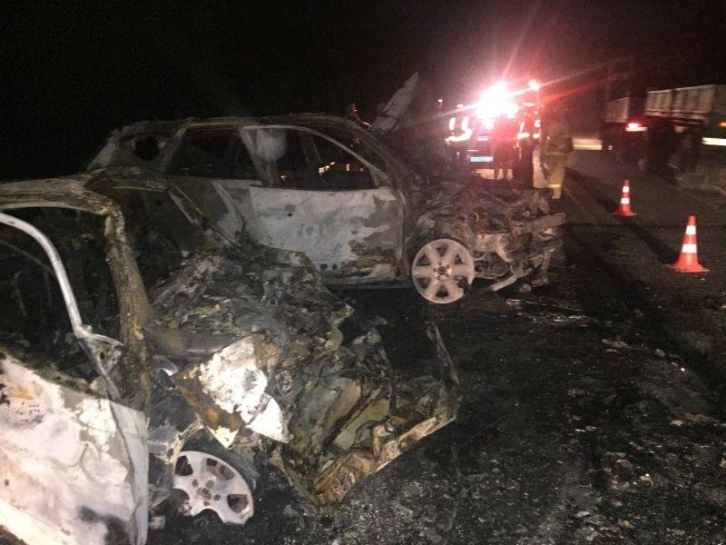 Трое погибли в ДТП с загоревшимися автомобилями под Томском