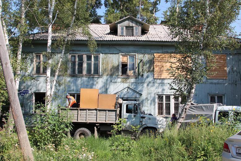 ВТомске приставы против воли выселили пенсионерку изстарой квартиры в новейшую