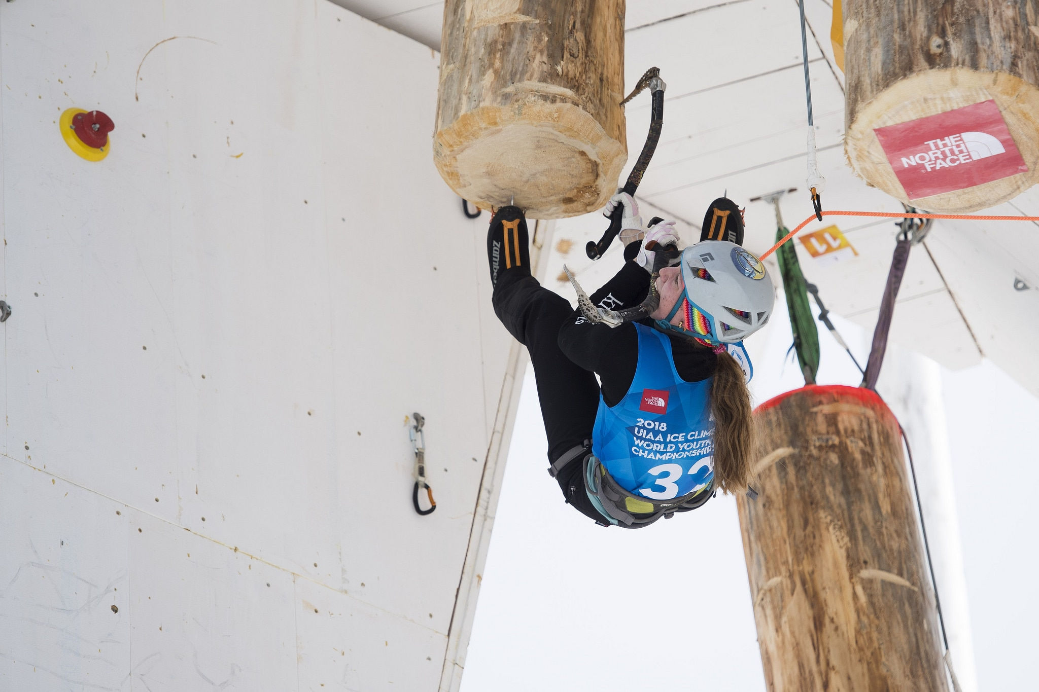 Алтайский спортсмен стал лучшим изроссиян напервенстве мира поледолазанию