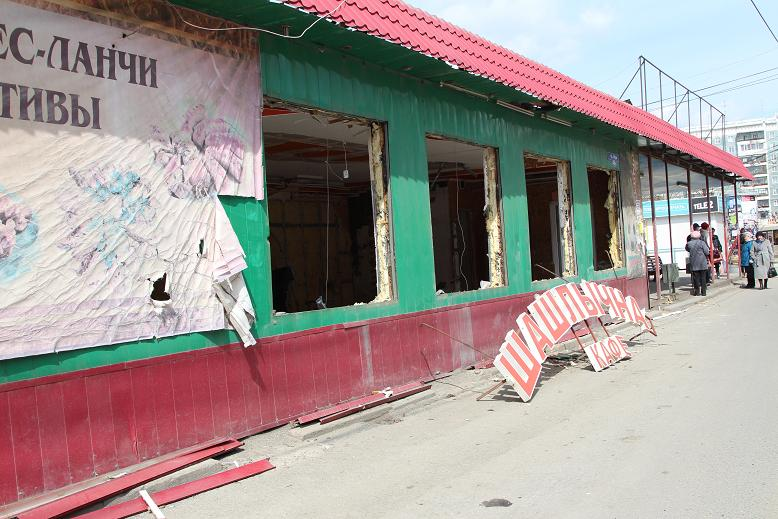В Томске заканчивается снос шашлычной на Мира