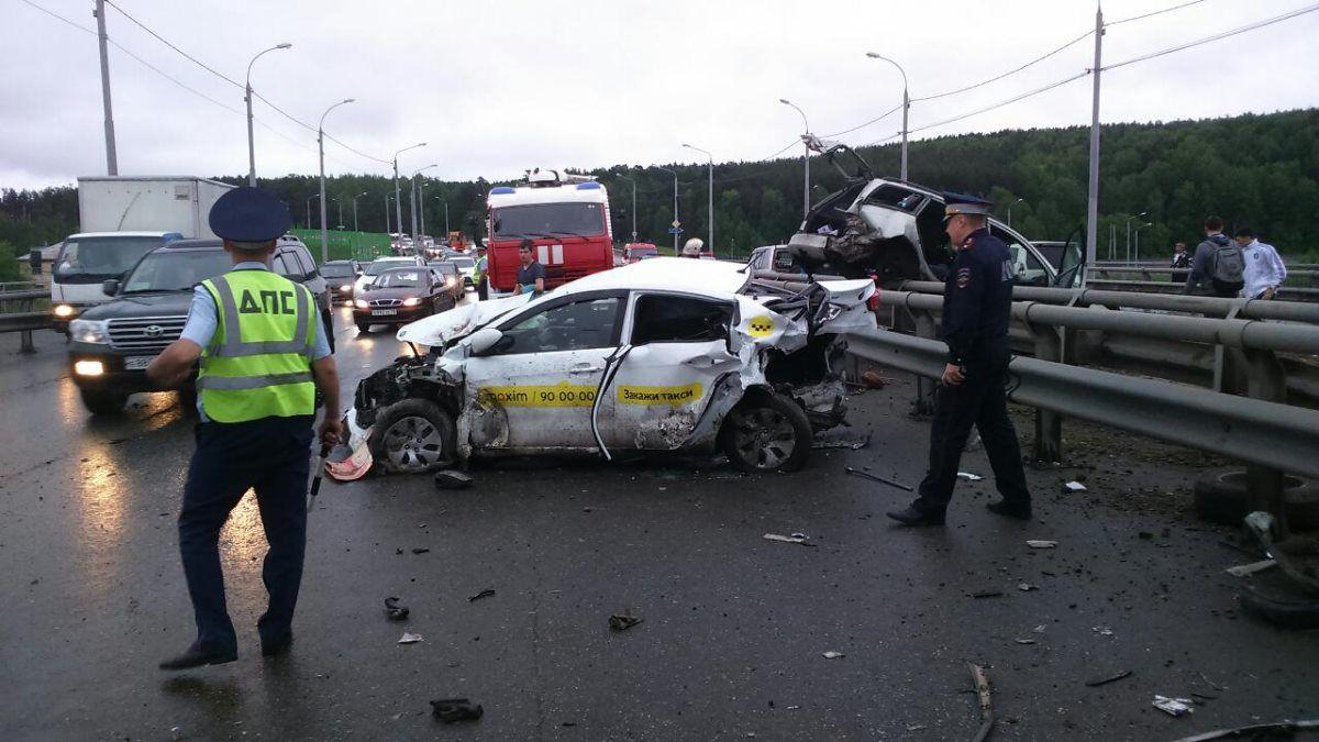 Томске произошло ДТП с участием более 10 автомобилей