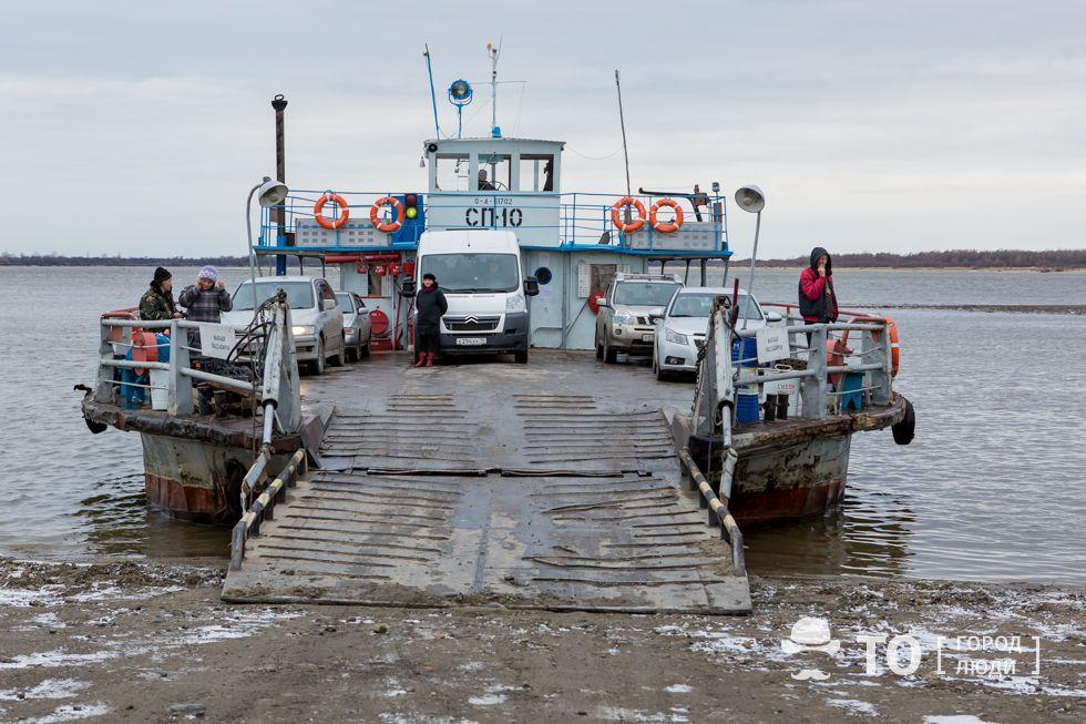 Томская судоходная компания приостановила работу парома в Колпашевском районе