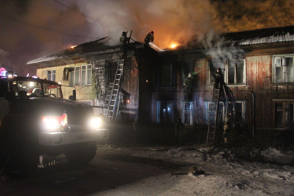 Ночью в Томске произошел крупный пожар на Первомайской