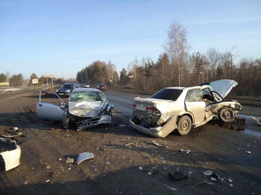 ВТомске в итоге ДТП умер шофёр иномарки
