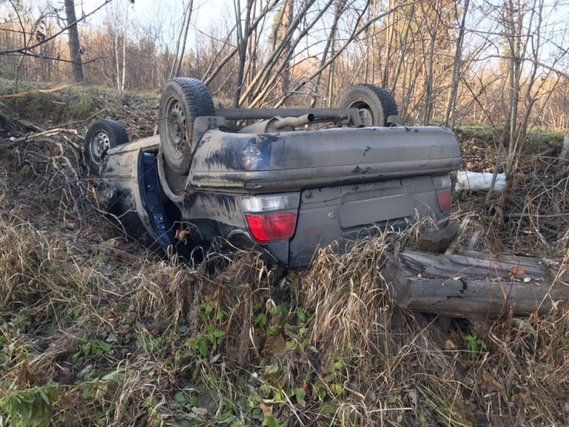 Иностранная машина опрокинулась вкювет на автотрассе Томск— Межениновка