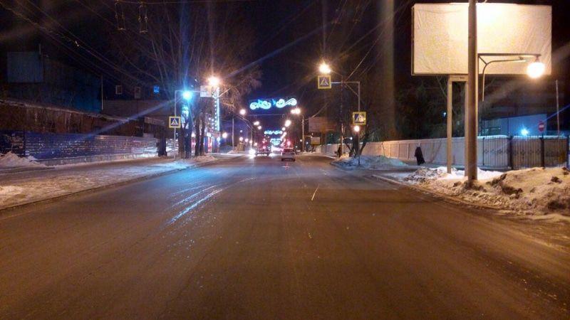 Двое подростков попали под колеса иномарок в Томске