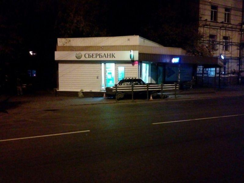 ВТомске «ВАЗ» врезался востановку: шофёр умер