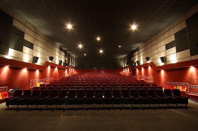 Арендатор опечатал здание томского кинотеатра «Киномир»