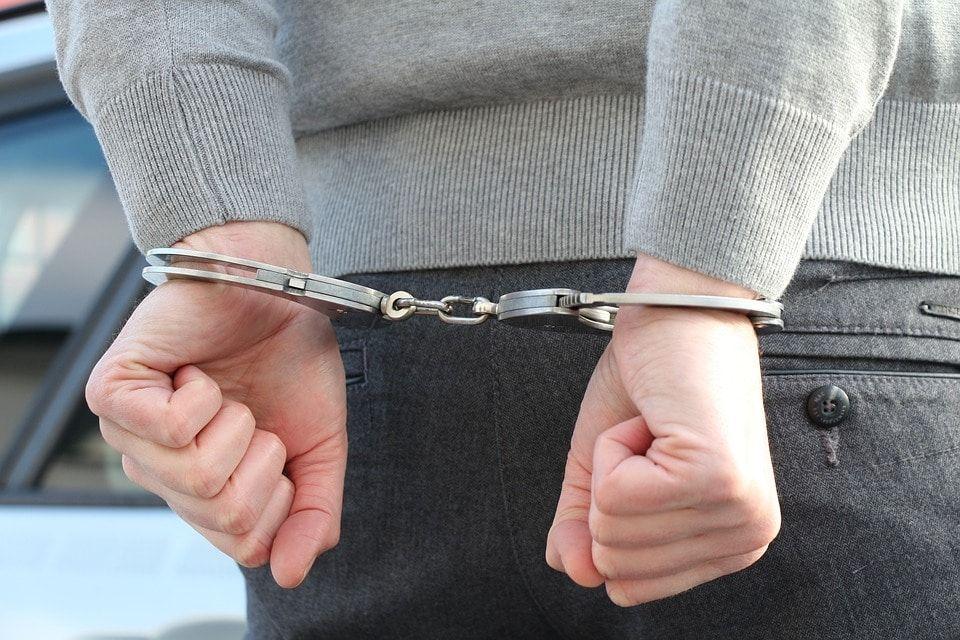 В Томской области ликвидировали канал незаконной легализации иностранцев